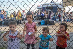 Merkel, Moria'daki Yangın Üzerinden AB'nin Mülteci Politikasını Eleştirdi
