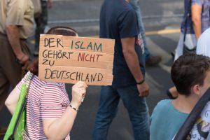 Müslüman Düşmanlığına Karşı Bağımsız Uzmanlar Komisyonu Göreve Başlıyor