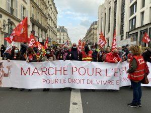 Fransa'da İşçi Sendikaları ve Göçmenler Macron Hükümetini Protesto Etti