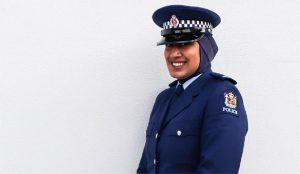 Yeni Zelanda'da Polisler Başörtüsü Takabilecekler