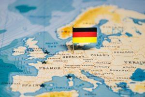 Almanya'da 2020'ye Kovid-19 Krizi ve Irkçı Saldırılar Damgasını Vurdu