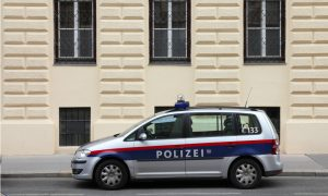 Avusturya'da Bir Aile Terör Şüphesiyle Polis Şiddetine Maruz Kaldı