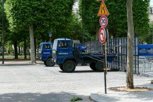 """Fransız Vekil: """"Radikalleşmiş Kişileri Gözetim Merkezlerinde Toplayalım"""""""