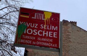 Offenbach DİTİB Yavuz Selim Camii'ne Boyalı Saldırı