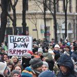 Kovid-19 Protestolarında Maske Takmayanlara Büyük Ceza