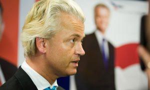 """Hollanda'da Aşırı SağcıWilders'in Seçim Vaadi, """"İslam'dan Arındırma Bakanlığı"""""""