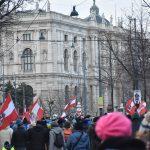 Avusturya'da Kovid-19 Önlemleri Prostesto Edildi