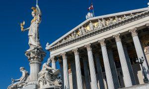 Avusturya'da Devletin Kabaran Egemenlik Aşkı