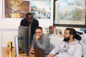 Fransa'da 3 Genç, Belgeselleriyle Müslüman Azınlıkların Hikayelerine Kapı Aralıyor