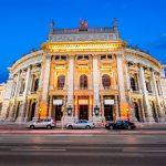 Avusturya'da Restoran, Otel ve Tiyatrolar Yeniden Açılacak