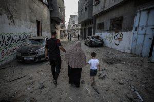 """Gazze'den Mektup: """"Bu Bombardımanlar O Çok Özlenen Barışı Getirecek mi?"""""""