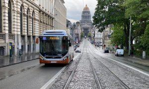 """Belçika'da Toplu Taşıma Şirketinin """"Başörtüsü Ayrımcılığına"""" Mahkeme Engeli"""