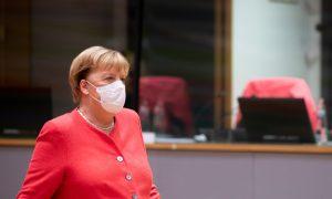 """Almanya Başbakanı Angela Merkel'den """"Aşı Olun"""" Çağrısı"""