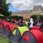Fransa'da 400 Kadar Evsiz Paris'te Çadır Kurarak Eylem Yaptı