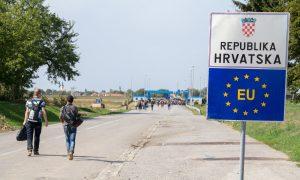 """Avrupa Birliği Gündeminde """"Göçmen Krizi"""" ve Afgan Mülteciler"""