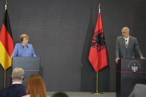 Merkel'den Arnavutluk ve Kuzey Makedonya'nın AB Sürecine Destek