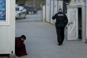 """Hırvatistan Sınırındaki Göçmenlerin Tek İsteği: """"Normal Bir Hayat"""""""